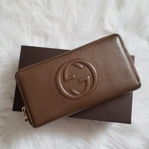 Gucci Soho Full Zip Wallet